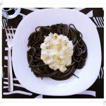 Pasta Negra con Gambas y Roquefort (Queso azul)