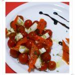 Tomates Cherry con Salmón y Queso